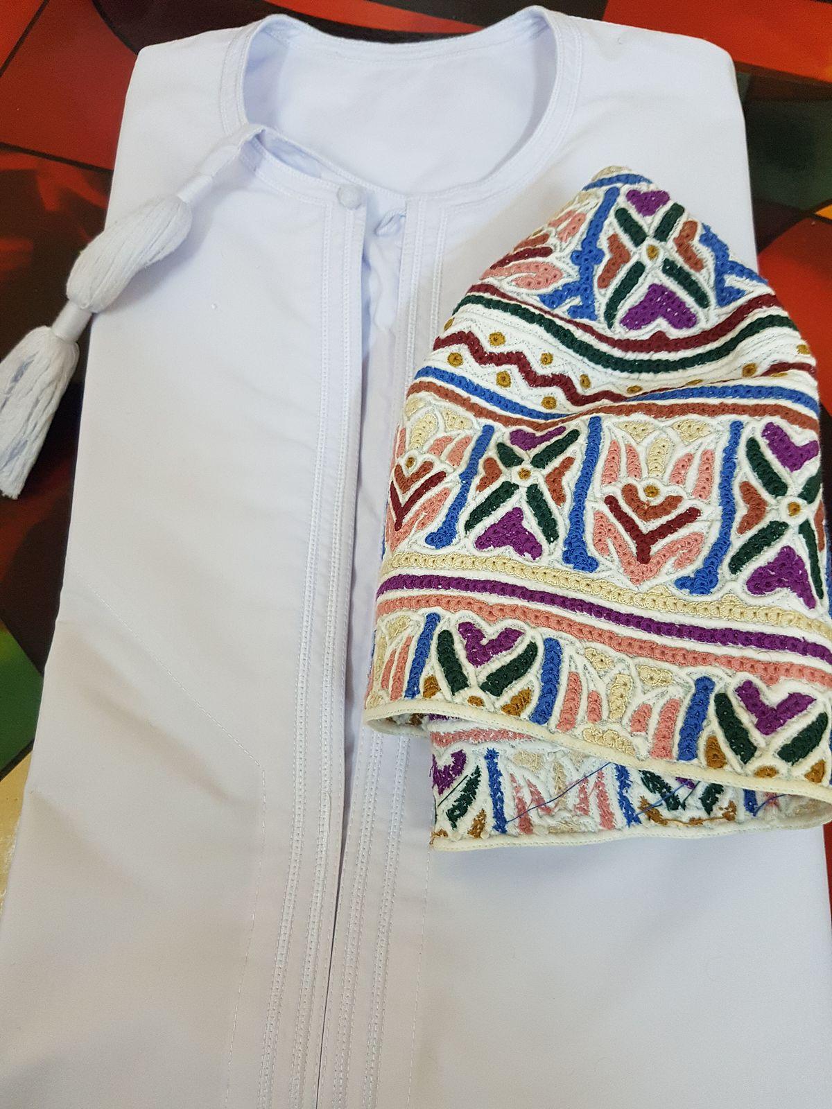 صورة ازياء عمانية مطورة , احدث اللباس العمانى العصرى 2154 2