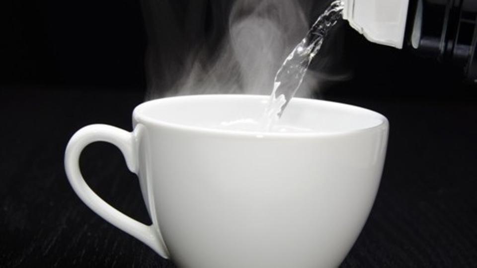 صورة فوائد شرب الماء الساخن , فوائد سحرية مذهلة للماء الدافء 1783 1