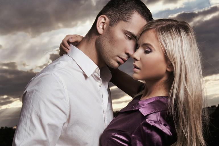 صورة كيف تجذب المراة الرجل , صفات المراة التى يحبها الرجل