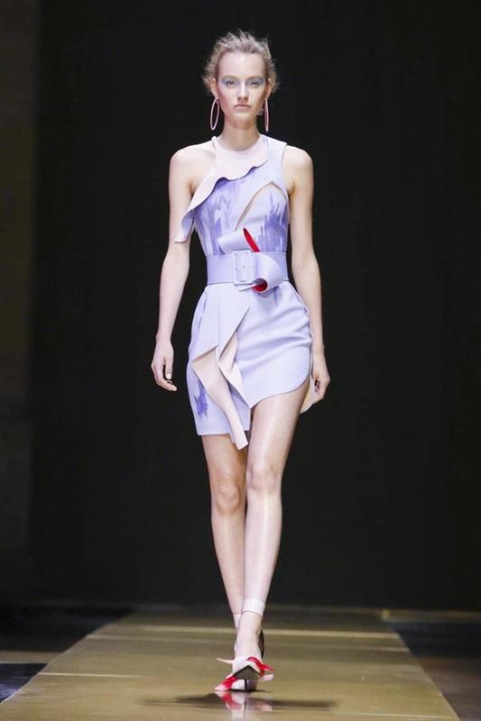 صورة عرض ازياء فساتين سهرة قصيرة , احدث الفساتين السوارية القصيرة