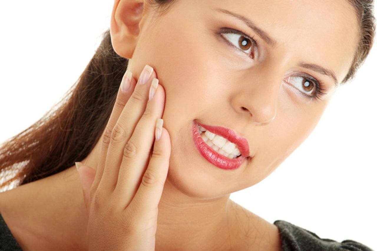 صورة طرق تخفيف الم الاسنان للحامل , بعض الوصفات الطبيعية و الغير مكلفة تخلصك من الم الاسنان 2905