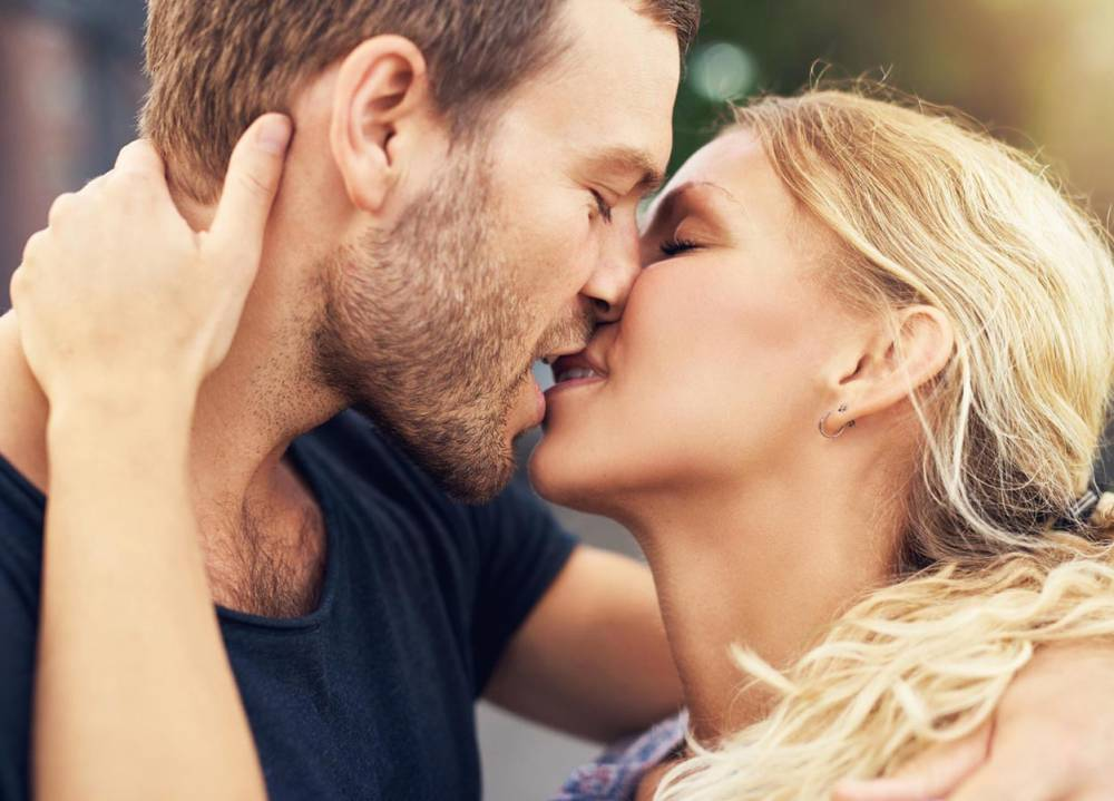 صور قبلة في الفم , قبلات بطرق مختلفة