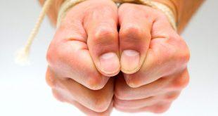 صورة اسباب رعشة اليد وعلاجها , طرق فعالة لتجنب رعشة اليد