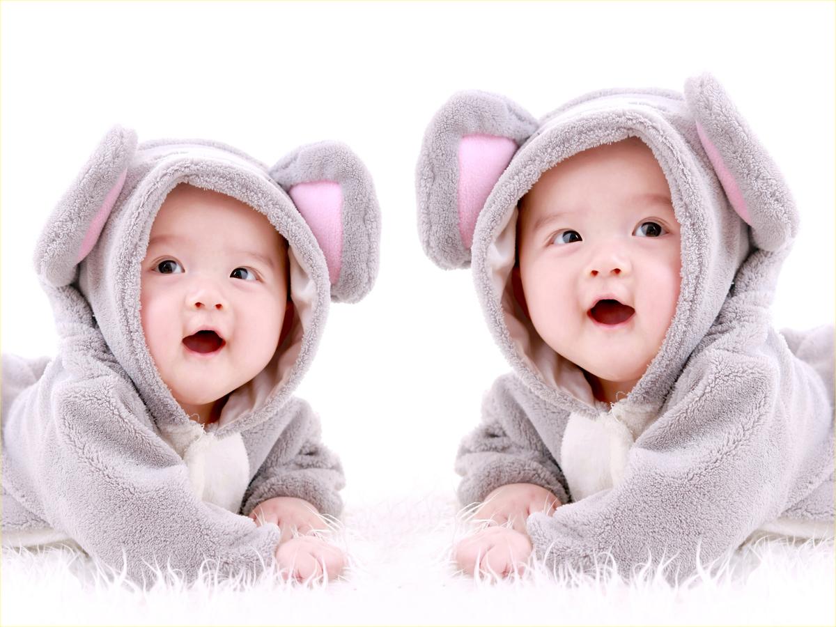 صورة صور اطفال توائم , اطفال توائم في قمة الجمال بالصور
