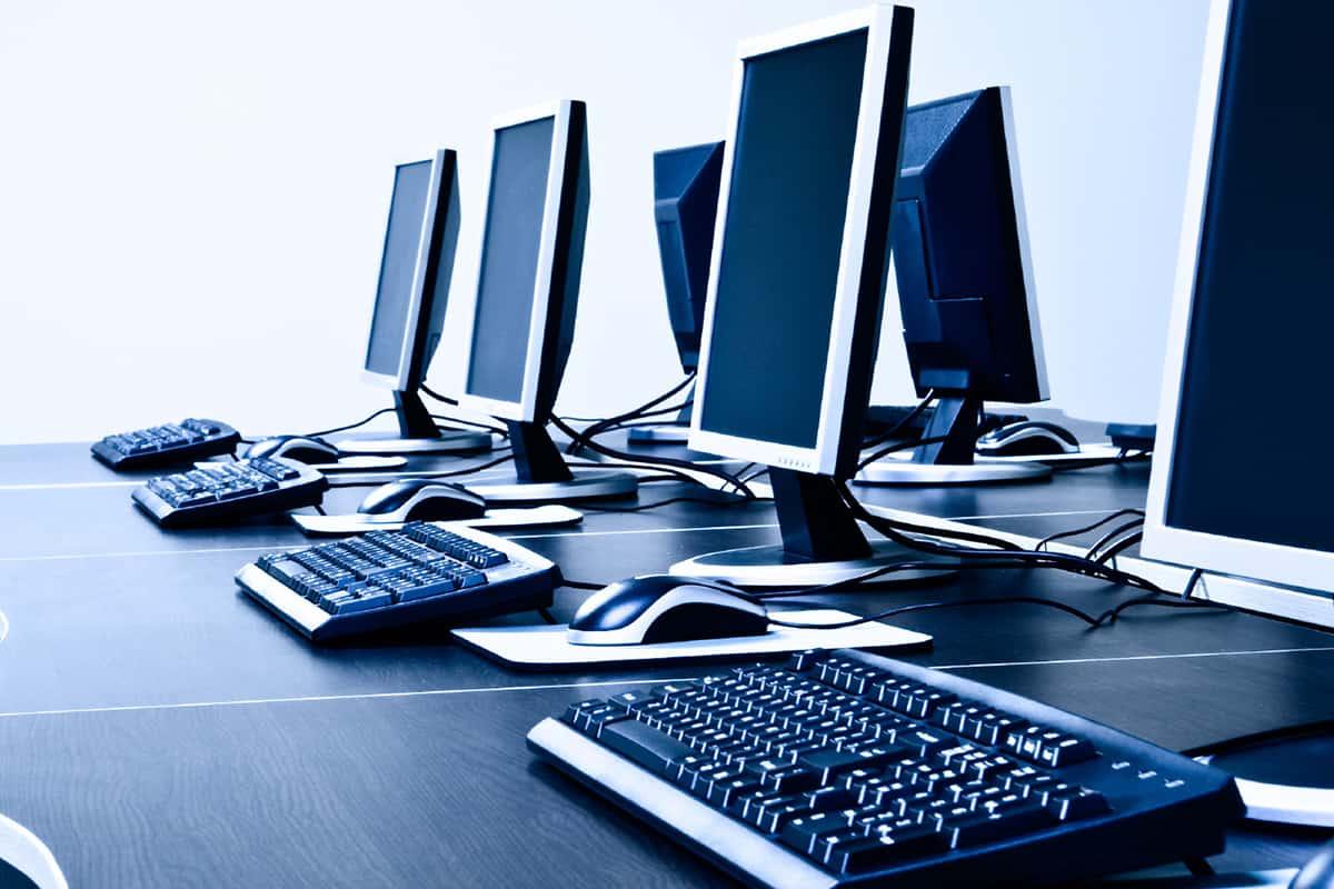صورة مقدمة عن الحاسب في حياتنا , جهاز هام جدا فى حياة كل شخص