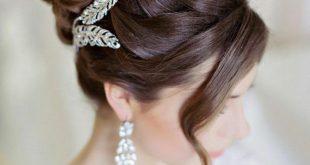 افضل التسريحات الجميلة للعروسة واصحابها ،تسريحات زواج فخمه